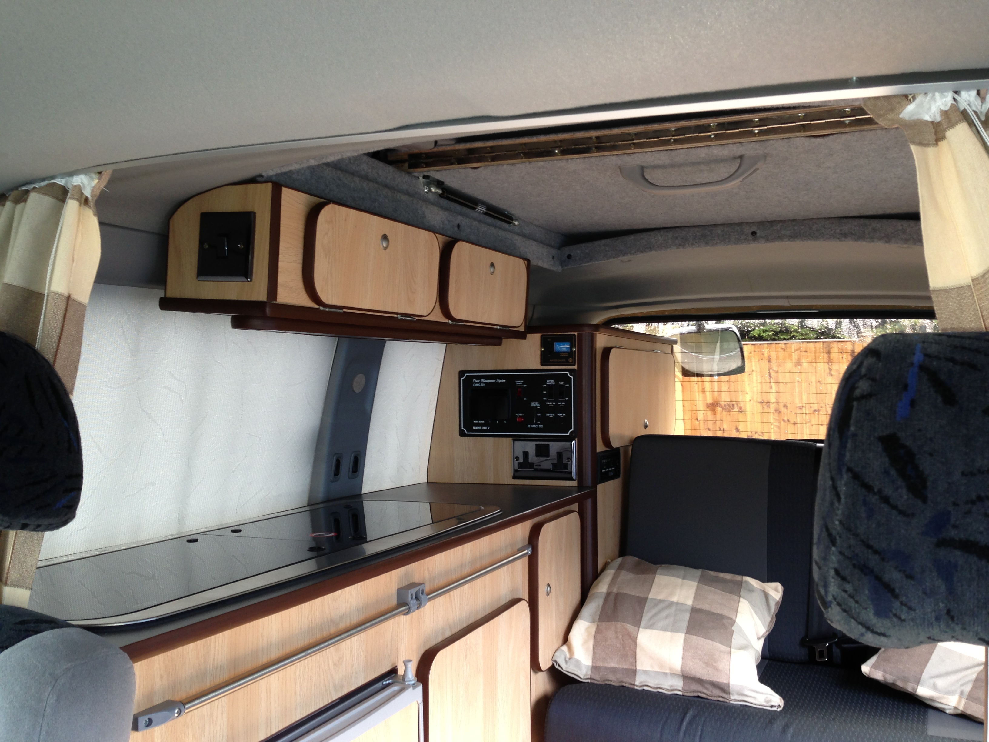 Mazda Bongo Full Conversion, 4 berth « Dub Works
